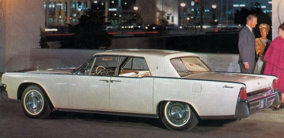 lincoln_continental_white_rear_1964